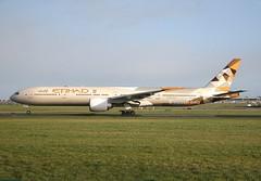 Etihad                                  Boeing 777                                 A6-ETB (Flame1958) Tags: etihad etihadb777 etihadairways etihadair boeing777 boeing b777 777 a6etb dub eidw dublinairport uae 8323 090319 0319 2019