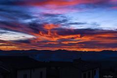 COMINCIA IL TRAMONTO    ----    THE SUNSET BEGINS (Ezio Donati is ) Tags: natura nature cielo sky tramonto sunset montagne mountains notturno night panorama landscape nuvole clouds italia lazio canalemonterano tuscia
