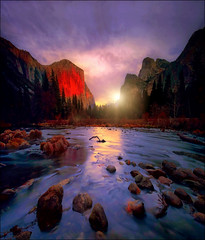 The rising sun (Gio_guarda_le_stelle) Tags: valley yosemite sunrise river landscape sun reflection sunbeams clouds sky atmosphere quiet silence