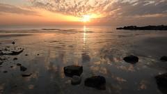 Облака (unicorn7unicorn) Tags: закат море камни отражения облака дорожка солнце 3652019 day21365 21jan19 israel ישראל colorfulnature