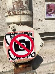 interdit-photo© (alexandrarougeron) Tags: photo alexandra rougeron signalitique urbain ville écrit panneaux paris