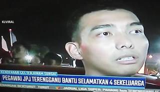 Salah Seorang Wira Yang Membantu Keluarga Hampir Lemas Di Sungai Terengganu Adalah Pegawai JPJ