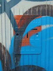 Flecktarn (mkorsakov) Tags: dortmund nordstadt nordmarkt graffiti tagging stromkasten bunt colored schild sign leer empty tarnung camouflage blau blue
