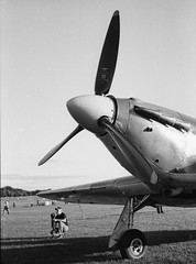 Ricoh 500RF - Agfa APX 100 (18) (meniscuslens) Tags: hawker hurricane nose propellor wheel landing gear sky shuttleworth bedfordshire vintage aircraft aeroplane fim camera ricoh 500rf agfa apx bnw bw mono monochrome