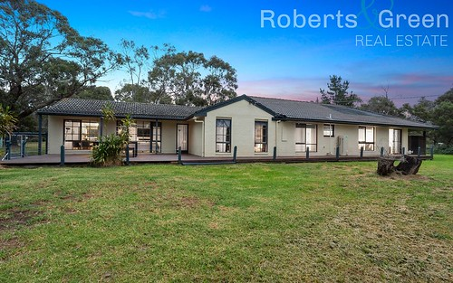 158 South Beach Road, Bittern VIC 3918