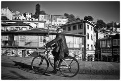 (carlosarenal) Tags: porto oporto bicycle bicicleta mujer city ciudad urbano paisaje portugal