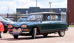 Citroën Ami 6 Grand Luxe 1968 (XBXG) Tags: 42sr16 citroën ami 6 grand luxe 1968 citroënami6 citroënami ami6 voorjaarsrit 2019 amiverenigingnederland avn garage vanoord landzigt leidsche rijn utrecht nederland holland netherlands paysbas vintage old classic french car auto automobile voiture ancienne française france frankrijk vehicle outdoor