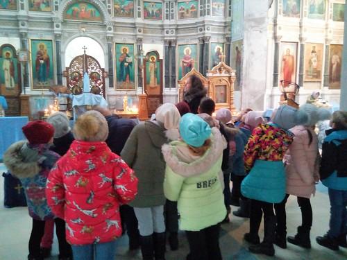 Каневской храм Покрова Пресвятой Богородицы посетили юные паломники из станицы Новодеревянковской