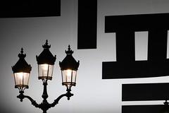 Place de la Concorde # 2 (just.Luc) Tags: light licht lumière streetlight straatlantaarn réverbère lamp france frankrijk frankreich francia frança monochrome monochroom monotone parijs parigi paris îledefrance europa europe