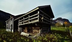 Birkeland Bygland 191018 (2)-2 (Geir Daasvatn) Tags: oncewashome oldbuilding setesdal oldfarm birkeland kulturminne