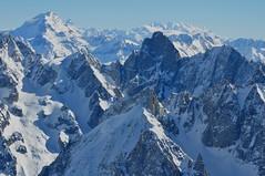 Le Grand Combin de Grafeneire (4314 m), le Cervin (4478 m) le Mont Rose (4.634m), Aiguille du Midi, Chamonix-Mont Blanc, Haute-Savoie, Rhône-Alpes, France. (byb64) Tags: 74 hautesavoie altasavoia savoia rhônealpes rodanoalpi alpes alps alpi frenchalps ródanoalpes altasaboya neige snow nieve neve lumière light france frankreich francia montagne mountain montana paysage paisaje paesaggio landscape landschaft vue view vista veduta hiver invierno winter montanas montagnes montes monti alpen europe europa eu ue montebianco vallée chamonix val valley aiguilledumidi chamonixmontblanc montblanc matterhorn montcervin monterosa grandcombin