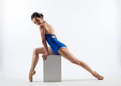 Poise (wu di 3) Tags: sharonjkung ballerina ballet toned muscle side lighting