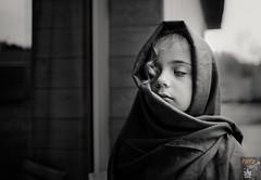 L1006910 (FOTOPONK) Tags: fille fillette noir et blanc nb wb nice pretty girl mystere mysterious