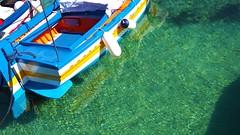 IMG_20171013_112247 - i colori del mare (molovate) Tags: barca mare colori porticciolo mondello volate uovo restauro molovate riflessi xiaomi redmi note3 trasparenza