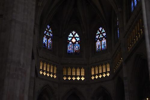 20100603 361 Jakobus Bilbao Kathedrale Säulen Bögen Fenster Altarraum