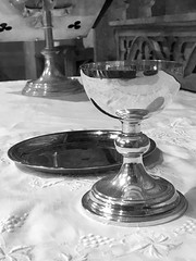 Altar #StillLife (John D McDonald) Tags: flickrfriday stilllife naturemorte aindavida 静物 stillleben naturalezamuerta altar chalice silver table communion church churchofireland coi anglican belfast northernireland ni ulster geotagged iphone iphone7plus appleiphone appleiphone7plus blackandwhite blackwhite bw monochrome mono reflection shiny stilleben stilleven asetelma νεκρήφύση ábharneamhbheo naturamorta martwanatura fortfarandeliv