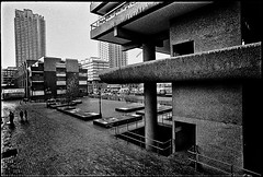 C39-16A 1975 Brutalism (hoffman) Tags: housing architecture brutalist brutalism city urban london outdoors street barbican brunswickcentre londonwall concrete davidhoffman wwwhoffmanphotoscom