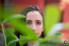 Luz en la Mirada. (Carlos Velayos) Tags: retrato portrait mujer woman chica girl belleza beauty elegancia elegance luznatural daylight mirada gaze