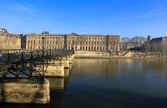 Paris (FRANCOIS VEQUAUD) Tags: paris lelouvre laseine musée hiver capitale cityscape pontdesarts pontdesamoureux 1erarrondissement