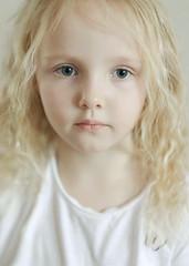 (Alina Mayboroda) Tags: people senses fubiz nyc newyork positivethinking digitalart ifyoulive etude thinkverylittle girl child angel dream fujinon56mm12 fujifilmxt2 portrait artist photographer art