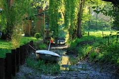 20180505-Canon EOS 6D-8301 (Bartek Rozanski) Tags: goyet namur belgium ardennes belgie belgique ardennen spring river boat flag belgian house