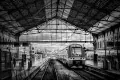 SNCF Saint Charles (thierrybalint) Tags: gare sncf marseille saintcharles train ciel sky nuages clouds nikon nikoniste balint thierrybalint