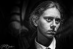 Loads (fredbervoets.com) Tags: light available zwartwit bw blackandwhite portrait portret model fredbervoets charissaschrijver charissa loads