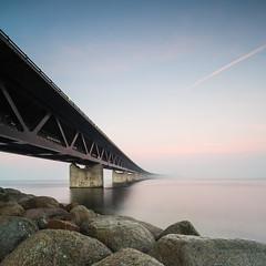The connecting bridge (Kristian Hedberg) Tags: 5d 5dmarkiii canon canoneos5dmarkiii architecture arkitektur bridge bridges bro broar eos malmö markiii skåne sverige sweden öresund öresundsbron