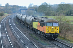 Bituminous (JohnGreyTurner) Tags: br rail uk railway train transport freight newbarnetby barnetby lincolnshire lincs diesel engine locomotive 56 class56 grid bitumen tanks