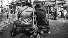 Two men on a bench in Paris, France 18/9 2014. (photoola) Tags: paris montmartre street bänk sv photoola france bench blackandwhite monochrome