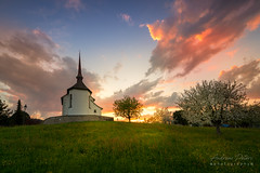 A9904973_s (AndiP66) Tags: stantonius kapelle chapel altbüron kanton luzern canton lucerne schweiz switzerland sonnenuntergang sunset sonne sun evening abend april spring 2018 sony alpha sonyalpha 99markii 99ii 99m2 a99ii ilca99m2 slta99ii tamron tamronsp1530mmf28diusd tamron1530mm 1530mm f28 amount andreaspeters