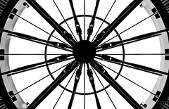 centered (MAICN) Tags: glass architektur mono dach linien sw linesymmetry bw glas blackwhite monochrome geometrisch light schwarzweis roof architecture licht einfarbig 2019 geometry lines