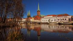Lübeck im Frühling / Lübeck in spring (Ostseeleuchte) Tags: lübeck marienkirche petrikirche musikhochschule professorenbrückeüberdietrave spiegelungen obertrave hansestadtlübeck northerngermany