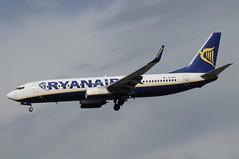 EI-DAE (LIAM J McMANUS - Manchester Airport Photostream) Tags: eidae ryanair fr ryr boeing b737 b738 738 b73h 73h boeing737 boeing737800 egcc manchester man