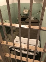 A #trip to #Alcatraz in the #SanFrancisco #bay , A maximum security #penitentiary that housed some of the most #notorious #criminals from #August 11, 1934 until #March 21, 1963. (Σταύρος) Tags: cellbars thebighouse bighouse jailcell jail alcatrazfederalpenitentiary federalpenitentiary prisoncells criminal maximumsecurity bay trip criminals august march unitedstatespenitentiary penitentiary federalprison alcatrazisland therock prison alcatraz prisoncell