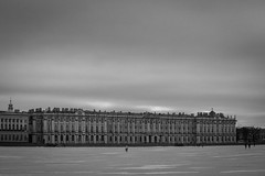 Winter palace (Ermitage) from the river Neva (Roberto Bendini) Tags: canon cold ghiaccio ice clouds winter palazzo palace museum fiume river ermitage sanpietroburgo saintpetersbourg saintpetersburg russie russia