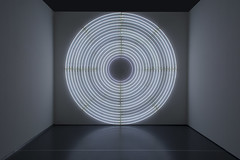 Art with light (Jan van der Wolf) Tags: map191103v art kunsthal rotterdam kunst kunstwerk light licht lamp circle cirkel artwork symmetry symmetric symmetrie perspective perspectief round johnarmleder spiegeling reflection