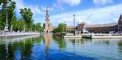 Plaza de España, Sevilla (joannab_photos) Tags: réflection water architecture citytrip séville sevilla