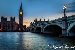 Blue hour sur London (tognio62) Tags: bigben londres london tames tamise angleterre pont crepuscule reflexion reflection reflet rives rivière arche eau ciel nuit batiment tour architecture