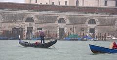 Gondola in the rain (JLM62380) Tags: gondola rain gonole pluie averse umbrella parapluie venice venise italy italie italia