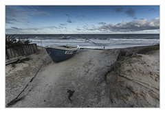 High on the dune (bavare51) Tags: usedom zempin düne boot fischerboot wolken wasser sand ostsee natur landschaft vorpommern meerstrand