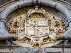escudo exterior Iglesia de Nuestra Señora de Montserrat Madrid 03 (Rafael Gomez - http://micamara.es) Tags: escudo exterior iglesia de nuestra señora monserrat madrid montserrat
