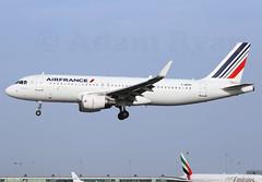 F-HEPH - Air France A320 (✈ Adam_Ryan ✈) Tags: dub eidw dublinairport 2019 dublinairport2019 ireland airport canon 6d takeoff aviation fheph airfrance a320 sharklets