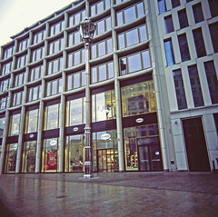 "Berlin City West ""Kleine Laterne"" 2.2.2019 (rieblinga) Tags: berlin city west kleine laterne breitscheidplatz budapester strase 222019 analog rollei 6008 fuji rdp ii e6 diafilm"