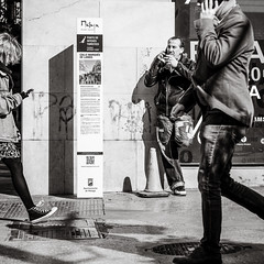 what to do without a ... (Gerard Koopen) Tags: malaga spain espana straat street straatfotografie streetphotography city candid streetlife blackandwhiteonly blackandwhite noir people man men woman urban mobile cellphone sony sonyalpha a7iii 85mm zeiss batis 2019 gerardkoopen gerardkoopenphotography