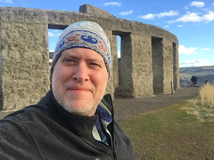 Day 2524: Day 334: @ the Stonehenge Memorial (knoopie) Tags: 2018 iphone picturemail november stonehengememorial maryhill doug knoop knoopie me selfportrait 365days 365daysyear7 year7 365more day2524 day334