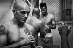 Men-DSC07386 (thomschphotography3) Tags: cuba boxer boxing havana havanna lahabana backandwhite monochrome men portrait streetphotography