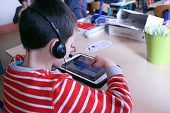 Atelier graphogame CP Rotonde © BB (5) (villenevers) Tags: rotonde tablette tablettes numérique enfant élève hootoo primaire école classe