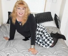 DSCN1713_pp (DianeD2011) Tags: crossdresser cd crossdress crossdressing stockings tg tranny transvestite tgirl tgurl pantyhose