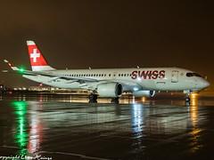 Swiss HB-JCJ  HAJ at Night (U. Heinze) Tags: aircraft airlines airways airplane flugzeug planespotting plane haj hannoverlangenhagenairporthaj eddv olympus